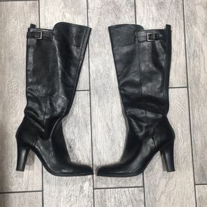 Women's Guess Black leather boots size 9M